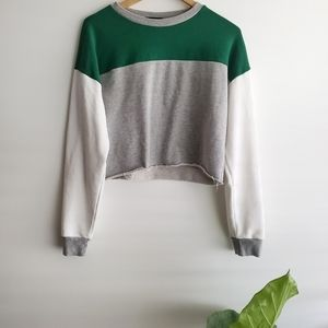 Forever21 sweater crop size size M